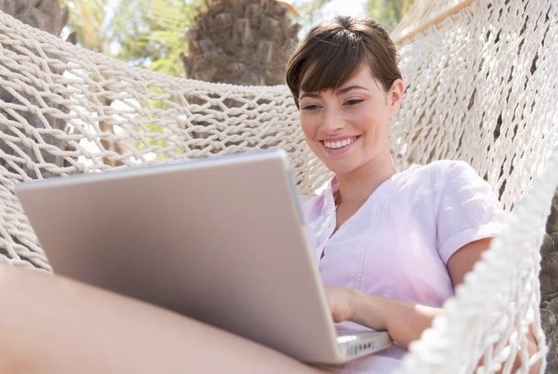 žena laptop